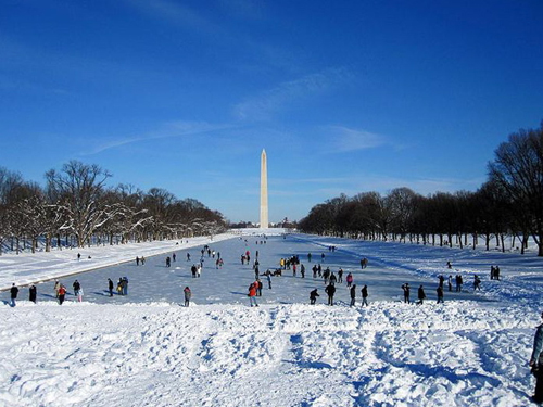 http://www.warnermemorial.org/uploads/2010_BLIZZARD_REFLECTING POOL.jpg