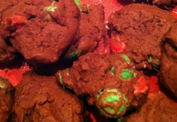 http://www.warnermemorial.org/uploads/Lisas_Double_Chocolate_Cookies.jpg